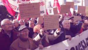 Jubilados en manifestación por pensiones dignas