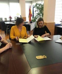 UATAE en Castilla La Mancha firmando convenio colaboración