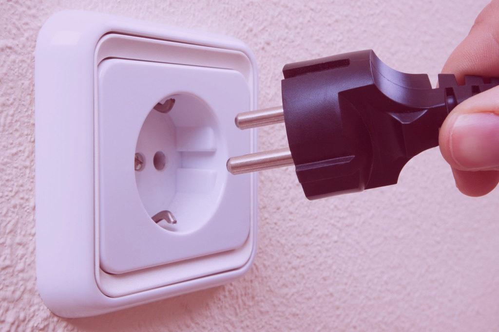 El precio de la electricidad sube y afecta a los autónomos UATAE