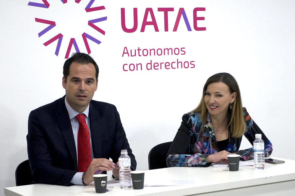 Ignacio aguado desayuno con autónomos UATAE