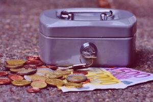 Hucha de los autónomos dinero efectivo UATAE